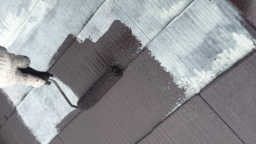 目黒区にて外壁塗装 ~屋根の下塗り・中塗り、壁のシーラー・サーフ~